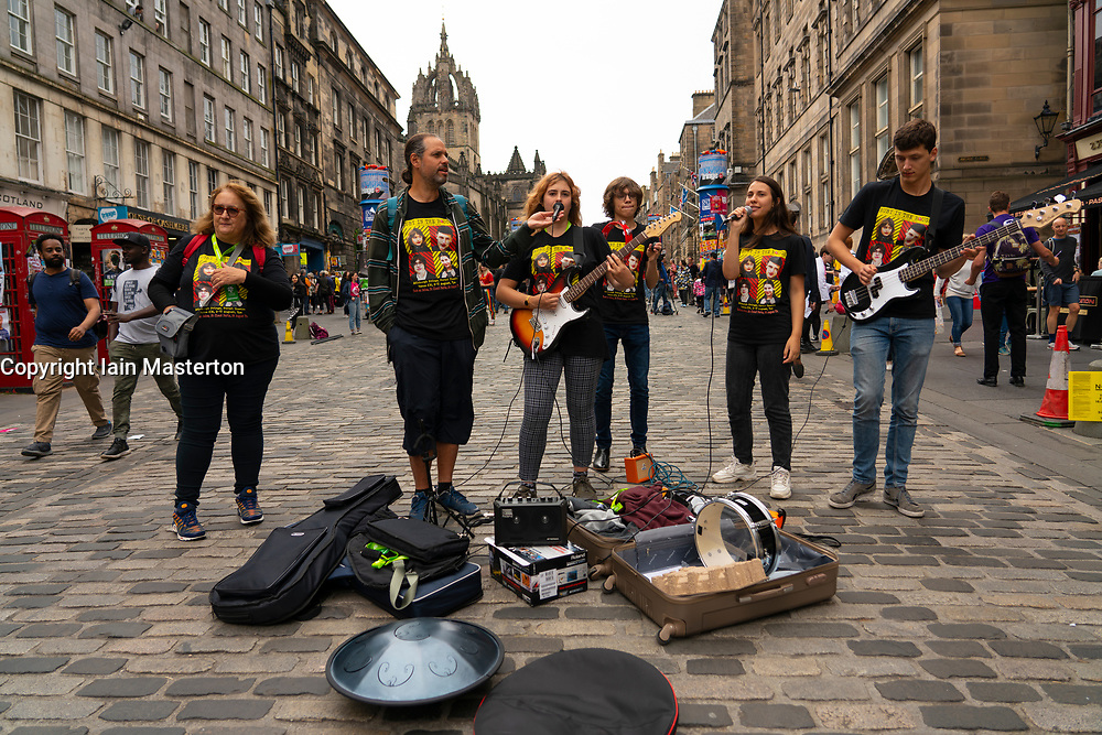 Edinburgh, Scotland, UK. 1 August 2019. Musicians performing show on the Royal Mile ahead of the start of the festival. The Edinburgh Fringe festival starts on 2 August 2019.