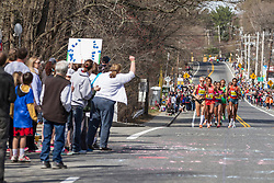 2014 Boston Marathon: Shalane Flanagan leads