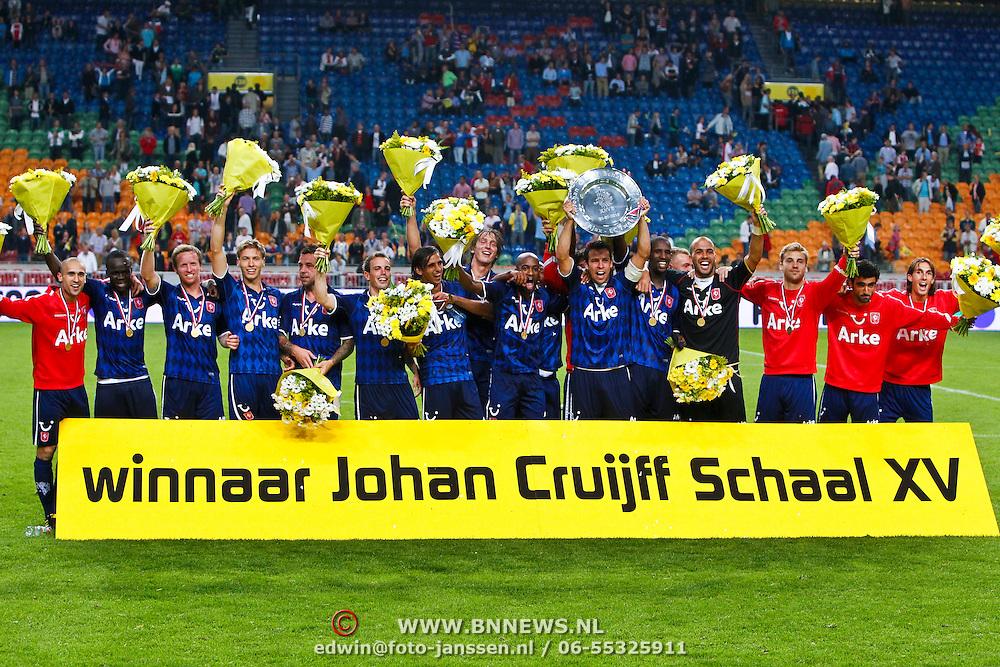 NLD/Amsterdam/20100731 - Wedstrijd om de JC schaal 2010 tussen Ajax - FC Twente, Twente viert feest als winnaar van de Johan Cruijff Schaal 2010