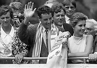 Tour de France winner Stephen Roche is welcomed home as the open-top bus drove through Dublin City Centre on his way to the Mansion House for a Civic Reception held in his honour, Dublin, 26/07/1987 (Part of the Independent Newspapers Ireland/NLI Collection).