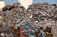 Europa, Deutschland, Nordrhein-Westfalen, Koeln, Schrottplatz mit Altmetall im Stadtteil Deutz.<br /> <br /> Europe, Germany, North Rhine-Westphalia, Cologne, scrap yard with old metal in the district Deutz.