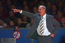 Basketbal;HBW-Ricoh Astronauts vs. EBBC Den Bosch;29 December 2002 te Haarlem<br /> Toon van Helfteren<br /> <br /> <br /> ©2002-Ronald Hoogendoorn