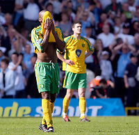 Photo: Daniel Hambury.<br /> Fulham v Norwich City.<br /> FA Barclays Premiership.<br /> 15/05/2005.<br /> Norwich's Damien Francis cant look as his side are relegated.