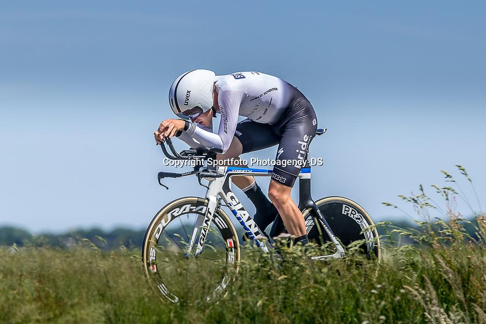 EMMEN (NED) June 16: <br />CYCLING <br />Dutch Nationals Time Trail men U23 Quinten Veling