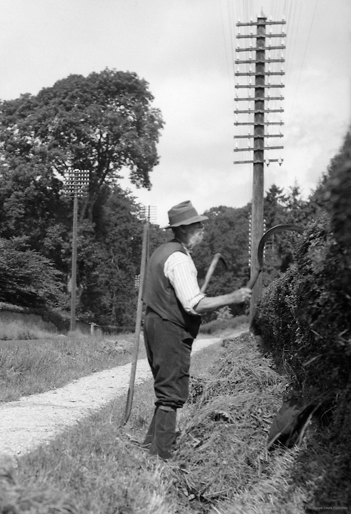"""Gardener, """"King's Highway"""", Kent, England, 1932"""