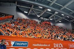 18-09-2011 VOLLEYBAL: DELA TROPHY NEDERLAND - TURKIJE: ALMERE<br /> Nederland wint met 3-0 van Turkije en wint hierdoor de DELA Trophy / Topsporthal Almere zaal hal, publiek Oranje<br /> ©2011-FotoHoogendoorn.nl