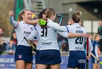 AMSTELVEEN - Mette Winter (SCHC) scoort tijdens de competitie hoofdklasse hockeywedstrijd dames, Pinoke-SCHC (1-8) . links Kyra Fortuin (SCHC)   COPYRIGHT KOEN SUYK