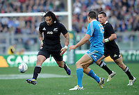 Rome, Italy -In the photo Ma'a Nonu opposed by Sgarbi  during .Olympic stadium in Rome Rugby test match Cariparma.Italy vs New Zealand (All Blacks). (Credit Image: © Gilberto Carbonari).