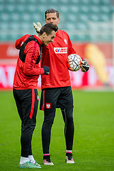 25.03.2016, Stadium Municipal, Wroclaw, POL, Training Fußballnationalmannschaft Polen, im Bild Arkadiusz Milik Wojciech Szczesny // during a practice session of Polish national football team before tomorrow friendly match between Poland and Finland at the Stadium Municipal in Wroclaw, Poland on 2016/03/25. EXPA Pictures © 2016, PhotoCredit: EXPA/ Newspix/ Sebastian Borowski<br /> <br /> *****ATTENTION - for AUT, SLO, CRO, SRB, BIH, MAZ, TUR, SUI, SWE only*****