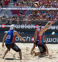29.07.2016, Strandbad, Klagenfurt, AUT, FIVB World Tour, Beachvolleyball Major Series, Klagenfurt, Herren, im Bild Clemens Doppler (1, AUT) hinten, John Hyden (1, USA), Tri Bourne (2, USA) vorne // during the FIVB World Tour Major Series Tournament at the Strandbad in Klagenfurt, Austria on 2016/07/29. EXPA Pictures © 2016, PhotoCredit: EXPA/ Lisa Steinthaler