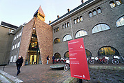 Nederland, Nijmegen, 21-1-2019 Vandaag werd het nieuwqe bestuursgebouw van de Nijmeegse Radboud Universiteit, RU, in gebruik genomen. Het bevindt zich in het Berchmanianum, een voormalig koooster wat tegen de campus aan ligt. Het gebouw stamt uit de jaren twintig en er zijn het college van bestuur en verschillende ondersteunende diensten in gehuisvest. De afdelingen hebben allemaal flexwerkplekken. Tot 2004 heette deze universiteit Katholieke universiteit Nijmegen .Foto: Flip Franssen