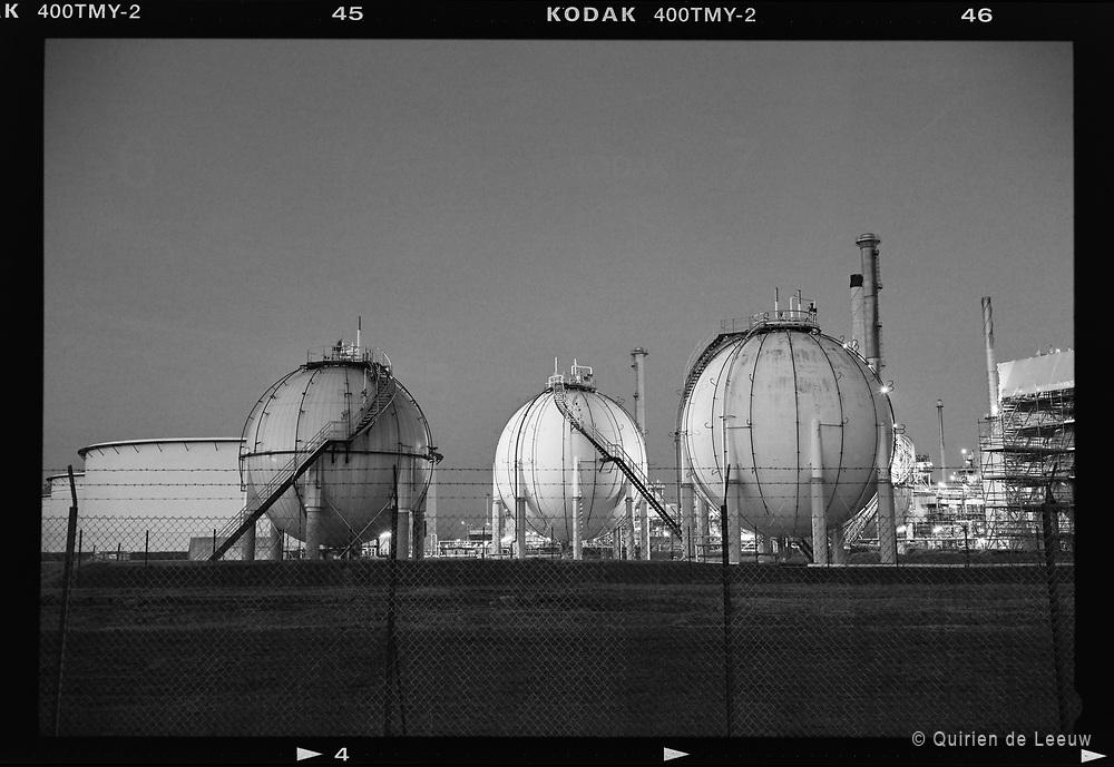 Gas opslagtanks, Europoort