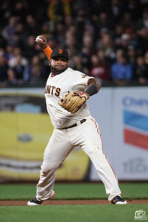 San Francisco Giants third baseman Pablo Sandoval (48) fields a ground ball against the Los Angeles Dodgers at AT&T Park in San Francisco, California, on September 13, 2017. (Stan Olszewski/Special to S.F. Examiner)