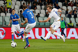Harry Kane of England shoots past Giorgio Chiellini (capt) of Italy - Photo mandatory by-line: Rogan Thomson/JMP - 07966 386802 - 31/03/2015 - SPORT - FOOTBALL - Turin, Italy - Juventus Stadium - Italy v England - FIFA International Friendly Match.