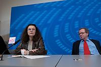 05 NOV 2003, BERLIN/GERMANY:<br /> Andrea Nahles, MdB, SPD, Vorsitzende Forum Demokratische Linke 21, und Michael Mueller, MdB, SPD, Stellv. Fraktionsvors. und Sprecher der Parlamentarischen Linken in der SPD Bundestagsfraktion, waehrend einer Pressekonferenz, Presselobby der SPD-Fraktion, Deutscher Bundestag<br /> IMAGE: 20031105-01-004<br /> KEYWORDS: Michael Müller