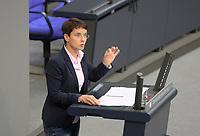 DEU, Deutschland, Germany, Berlin, 29.10.2020: Deutscher Bundestag, Rede von Dr. Frauke Petry (fraktionslos) nach der Regierungserklärung der Bundeskanzlerin zur Bewältigung der COVID-19 Pandemie.