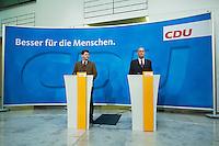 22 DEC 2004, BERLIN/GERMANY:<br /> Claus Zemke (L), CDU Pressesprecher, und Laurenz Meyer (R), CDU Generalsekretaer, waehrend einem Pressestatement zur Meyers Ruecktritt, CDU Bundesgeschaeftsstelle<br /> IMAGE: 20041222-01-004<br /> KEYWORDS: Generalsekretär, Rücktritt