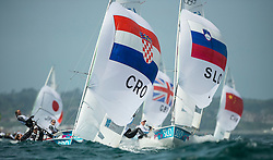 03.08.2012, Bucht von Weymouth, GBR, Olympia 2012, Segeln, im Bild Nincevic Enia, (CRO, 470 Women).Cerne Teja, Mrak Tina, (SLO, 470 Women) // during Sailing, at the 2012 Summer Olympics at Bay of Weymouth, United Kingdom on 2012/08/03. EXPA Pictures © 2012, PhotoCredit: EXPA/ Juerg Kaufmann ***** ATTENTION for AUT, CRO, GER, FIN, NOR, NED, POL, SLO and SWE ONLY!