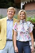 Photocall of the dutch Royal Family.<br /> On the photo: His Royal Highness the prince Willem Alexander, her royal highness princess Máxima <br /> <br /> Fotosessie op Landgoed de Horsten in Wassenaar <br /> Op de foto: Zijne Koninklijke Hoogheid de Prins van Oranje, Hare Koninklijke Hoogheid Prinses Máxima