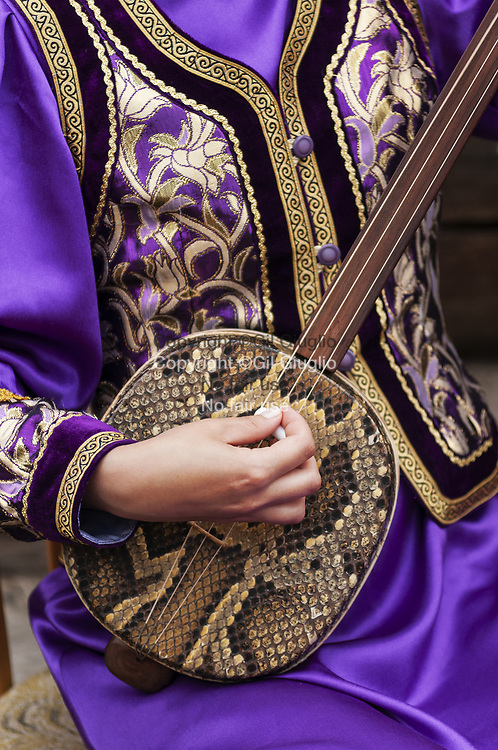 Russie, Sibérie, ville d'Oust-Orda, région oblast d'Irkutsk, groupe folklore bouriate // Russia, Siberia, town of Oust Orda, region of Irkutsk, bouriat folkloric band