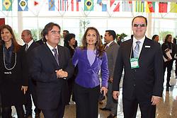 Ministro da Saúde, José Gomes Temporão e Dra. Walska Santos durante abertura oficial da HOSPITALAR 2009 - 16ª Feira Internacional de Produtos, Equipamentos, Serviços e Tecnologia para Hospitais, Laboratórios, Clínicas e Consultórios, que acontece de 2 a 5 de junho de 2009, no Expo Center Norte, em São Paulo. FOTO: Jefferson Bernardes/Preview.com