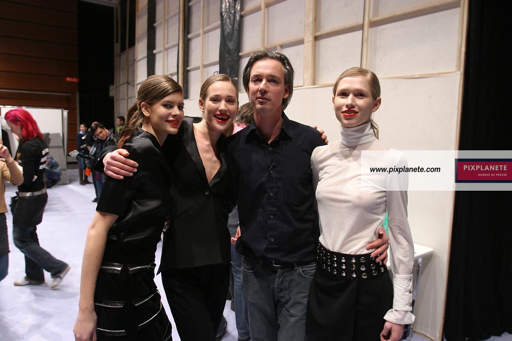 Paris Show prêt à porter automne hiver 2006 - Backstage John Ribbe - JSB / PixPlanete - 26/02/2006