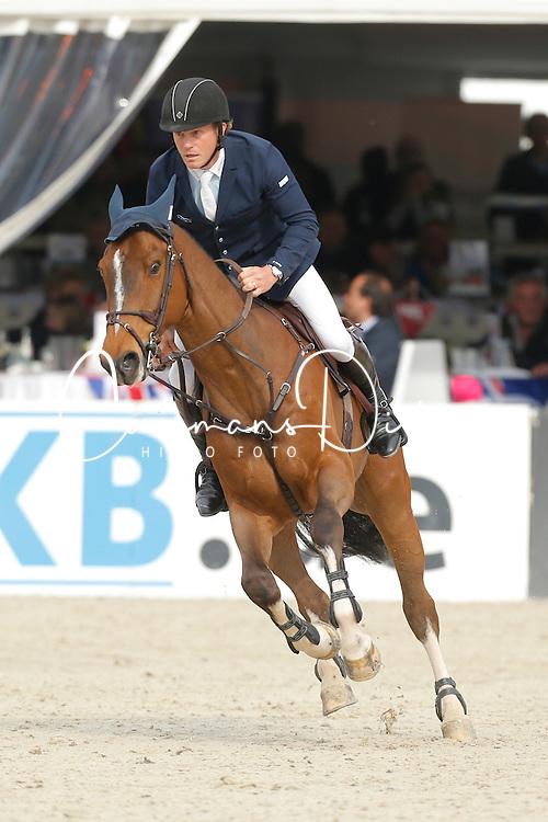 Hanley Cameron, (IRL), Living The Dream<br /> Preis der LVM Versicherung<br /> Hagen - Horses and Dreams 2015<br /> 25/04/15