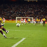 NLD/Amsterdam/20050927 - Champions League 2005, Ajax - Arsenal, doelrap van keeper Manuel Almunia