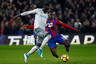 Oumar Niasse of Everton (R) battles with Jeffrey Schlupp of Crystal Palace (L). Premier League match, Crystal Palace v Everton at Selhurst Park in London on Saturday 18th November 2017.<br /> pic by Steffan Bowen, Andrew Orchard sports photography.