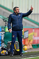 Callum Davidson, manager of St Johnstone FC gestures to his team during the SPFL Premiership match between Hibernian and St Johnstone at Easter Road Stadium, Edinburgh, Scotland on 1 May 2021.