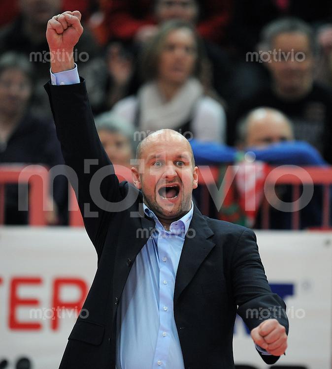 Volleyball  1. Bundesliga  2008/2009   15.02.2009 ENBW TV Rottenburg  - A 10 Netzhoppers Koenigs Wursterhausen TV R Trainer  Hans Peter Mueller - Angstenberger enttaeuscht