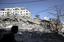 May 5, 2019 - Gaza, Palestine - Smoke billows above buildings in Gaza City during an Israeli airstrike, ,05 May 2019. (Credit Image: © Sameh Rahmi/NurPhoto via ZUMA Press)