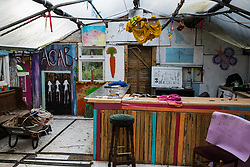 Sipson, UK. 5th June, 2018. An entertainment space is pictured at Grow Heathrow. Grow Heathrow is a squatted off-grid eco-community garden founded in 2010 on a previously derelict site close to Heathrow airport to rally support against government plans for a third runway and it has since made a significant educational and spiritual contribution to life in the Heathrow villages, which remain threatened by Heathrow airport expansion.