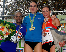 27-11-2011 ATLETIEK: NK CROSS 53e WARANDELOOP: TILBURG<br /> Adrienne Herzog wint in 27:29 het NK Cross, silver for Simret Restle GER and bronze Sabrina Mockenhaupt GER<br /> ©2011-FotoHoogendoorn.nl