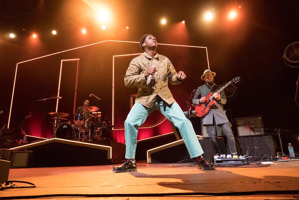 Leon Bridges performs at the BMO Harris Pavilion in Milwaukee, WI on September 23, 2018.