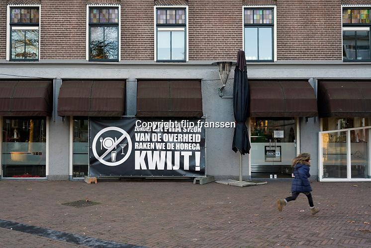 Nederland, Wijchen, 25-12-2020 In dit dorp hebben horeca ondernemers samen een protestcampagne opgezet tegen de sluiting vn de horeca vanwege de verscherpte coronamaatregelen ivm de corona epidemie.  Foto: ANP/ Hollandse Hoogte/ Flip Franssen