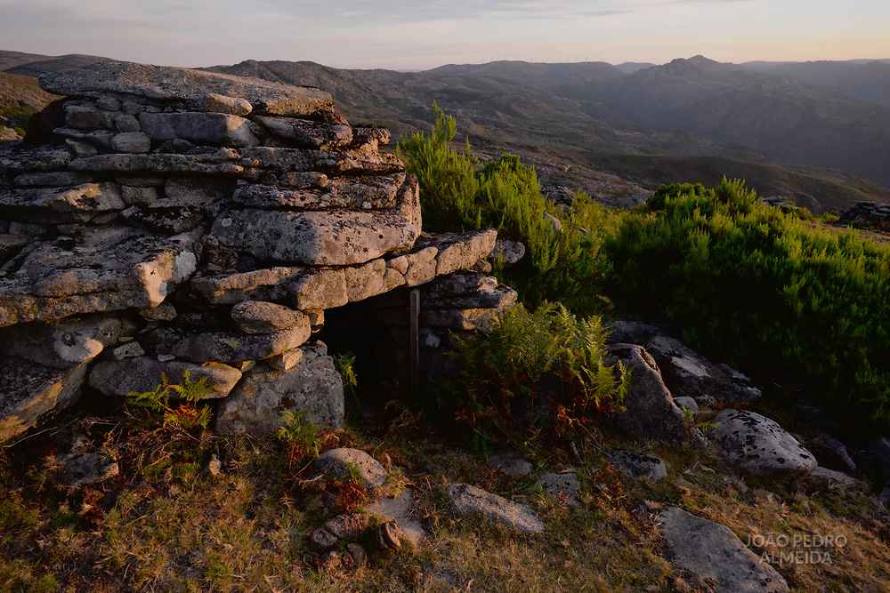 Cortelho, a small, rudimentar, stone-built shelter used by sheperds when herding cows in the highlands of the Soajo mountains.