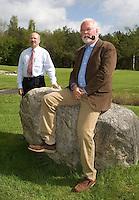 HAVELTE - Golf Club Havelte. Voorzitter Henk te Velde (r) en secreatris Rob Lammers. COPYRIGHT KOEN SUYK