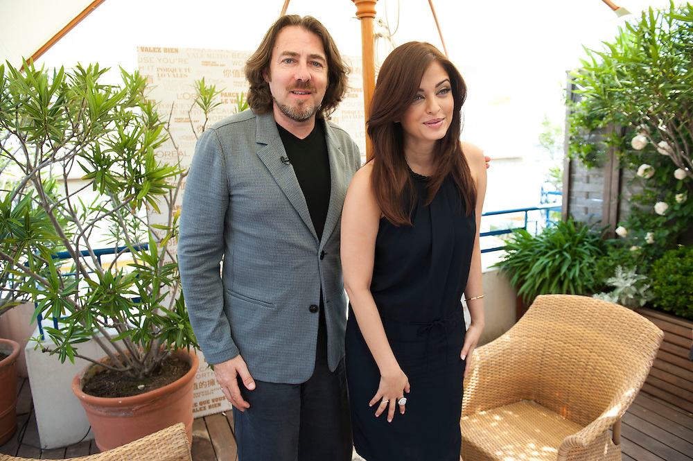CANNES, FRANCE - MAY 12  Aishwarya Rai Loreal girl poses with Jonathan Ross after  interviewed by him for Cinémoi TV on the roof garden of The Martinez in Cannes, during the 64th Cannes Film Festival on May 12, 2011 in Cannes, France