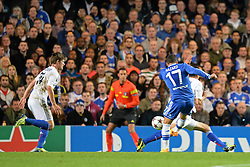 18.09.2013, Stamford Bridge, London, ENG, UEFA Champions League, FC Chelsea vs FC Basel, Gruppe E, im Bild Chelsea's Eden Hazard takes a shot at goal  during UEFA Champions League group E match between FC Chelsea and FC Basel at the Stamford Bridge, London, United Kingdom on 2013/09/18. EXPA Pictures © 2013, PhotoCredit: EXPA/ Mitchell Gunn <br /> <br /> ***** ATTENTION - OUT OF GBR *****