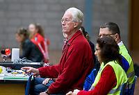 HEILOO - Japik Riemersma achter de wedstrijdtafel tijdens competitiewedstrijd zaalhockey .  COPYRIGHT KOEN SUYK