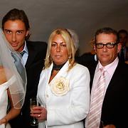 Huwelijk Renee Vervoorn en Francis Zwaneveld in kasteel Sypesteijn Loosdrecht, met zijn ouders