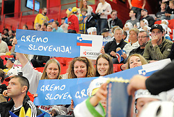 11.05.2013, Globe Arena, Stockholm, SWE, IIHF, Eishockey WM, Schweden vs Slowenien, im Bild supporter fans publik Slovenien // during the IIHF Icehockey World Championship Game between Sweden and Slovenia at the Ericsson Globe, Stockholm, Sweden on 2013/05/11. EXPA Pictures © 2013, PhotoCredit: EXPA/ PicAgency Skycam/ Simone Syversson..***** ATTENTION - OUT OF SWE *****
