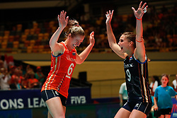 20180531 NED: Volleyball Nations League Netherlands - Brazil, Apeldoorn<br />Maret Balkestein - Grothues (6) of The Netherlands, Myrthe Schoot (9) of The Netherlands <br />©2018-FotoHoogendoorn.nl