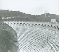 1924 Lake Hollywood Dam under construction