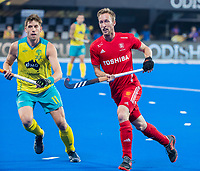 BHUBANESWAR, INDIA -  Barry Middleton (Eng) with Eddie Ockenden (Aus)   , England v Australia for the bronze medal during the Odisha World Cup Hockey for men  in the Kalinga Stadion.   COPYRIGHT KOEN SUYK