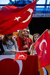 05-04-2017 NED:  CEV U18 Europees Kampioenschap vrouwen dag 4, Arnhem<br /> Nederland - Turkije 3-1 / Nederland doet zeer goede zaken en kan zich met winst op Italië zeker stellen van een halve finaleplaats - Support, publiek, jeugd, sfeer, Turkije, vlaggen