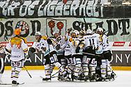 05.03.2011, Rapperswil-Jona, Eishockey NLA, Rapperswil-Jona Lakers - HC Lugano, Die Luganesi jubeln, sie schaffen den Ligaerhalt  (Thomas Oswald/hockeypics)