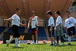Hong Kong, China - Wednesday, July 25, 2007: Liverpool's Yossi Benayoun during a coaching session with local children at the Siu Sai Wan Sports Ground in Hong Kong. (Photo by David Rawcliffe/Propaganda)