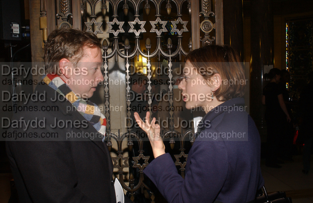 Geordie Greig and  Lisa Armstrong . Backstage before the Julian Macdonald fashion show. Gt. Queen St. WC2. 14 February 2006. ONE TIME USE ONLY - DO NOT ARCHIVE  © Copyright Photograph by Dafydd Jones 66 Stockwell Park Rd. London SW9 0DA Tel 020 7733 0108 www.dafjones.com